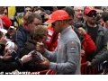 Hamilton denies demanding payment for autograph